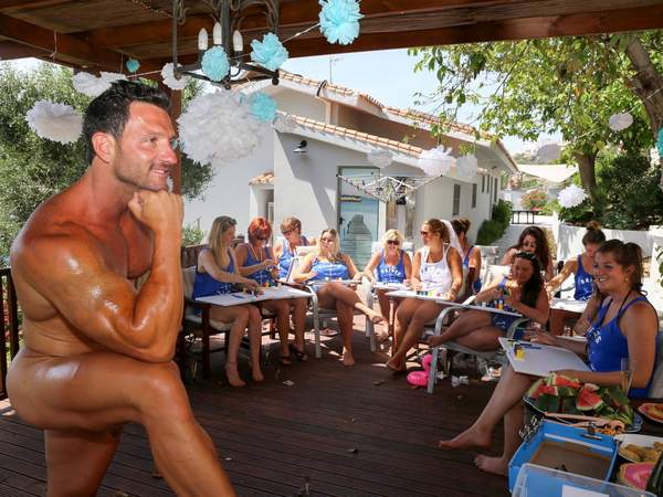 Life Drawing hen party classes in Marbella