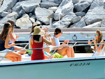 Boat charters in Marbella with hen party